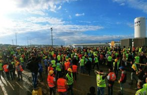 3. Havalimanı beklenilen tarihte açılamayacak, İşçiler bahane edilecek....