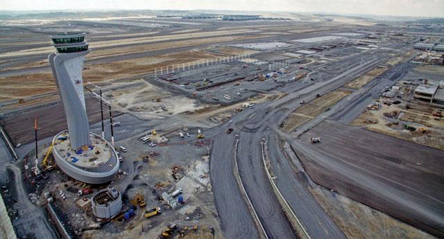 Üçüncü Havaalanı'nın 29 Ekim'de açılmasına karşı çıkılıyor