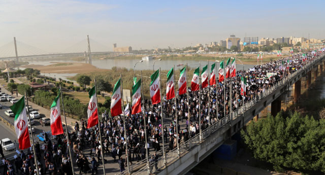 İran'da askeri geçit törenine terör saldırısı