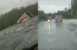 Sele kapılan kamyonun zor anları