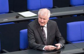 Almanya'da seçmen ders verdi: Aşırı sağı taklit etmek oy getirmiyor