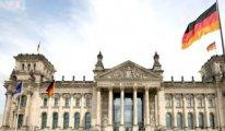 Almanya'da AP seçimlerinde merkez partiler ezildi, aşırı sağcılar ve karşıtları güçlendi