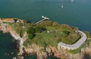 İngiltere'deki tarihi ada 7.8 milyon dolara satılık