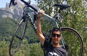 Fransız Alplerinde bir avcı dağ bisikletçisini kaza kurşunuyla öldürdü
