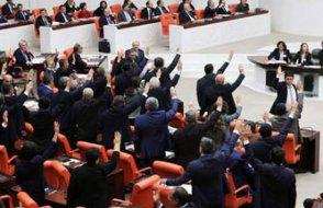 'Asgari ücretlilerden vergi alınmasın' teklifi AKP ve MHP'lilerin oylarıyla reddedildi