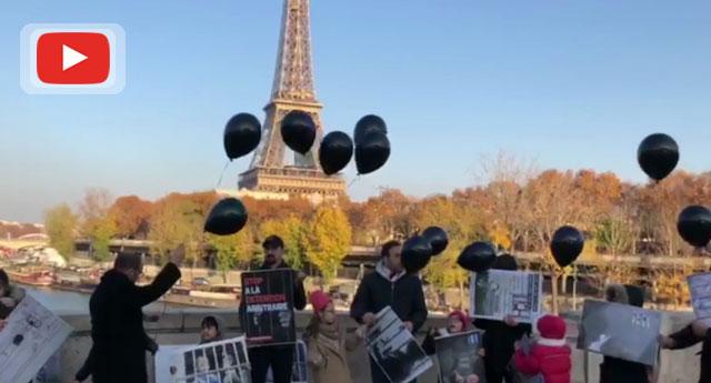 Cezaevlerine atılan 743 bebek için Paris'te eylem yapıldı