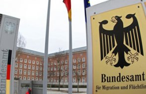 Almanya İstihbaratı,  Türkiye'den gelen mültecileri uyardı: Aranızda  MİT ajanları var