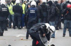 Sarı Yelek eylemlerinde beşinci hafta: Paris'te gözaltılar