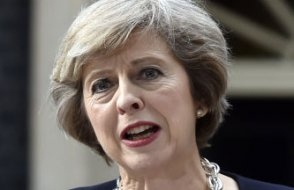 İngiltere Başbakanı devrilmedi: Güven oylamasında ezici fark