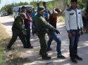 ABD'de sınırda babasıyla yakalanan 7 yaşındaki çocuk gözaltında hayatını kaybetti