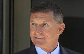 Flynn ilk defa hakim karşısına çıktı