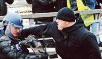 Gösteride polisleri haşat eden boksörün cezası belli oldu