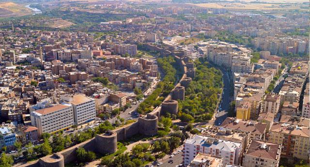 HDP, Diyarbakır başta olmak üzere 20 il ve ilçelerinde adayını açıkladı