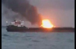 Kırım'ın Kerç Boğazı'nda iki gemi alev aldı, mürettabatın içinde Türkler de var