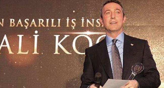 Fenerbahçe Başkanı Ali Koç'u Galatasaraylılar ödüle boğdu