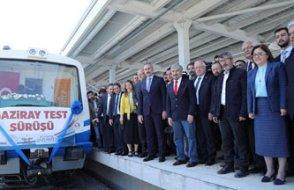 AKP'li heyet tren test sürüşünü izleyenleri yorumladı: Şeyin trene baktığı gibi bakıyorlar