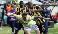 Ankaragücü-Fenerbahçe maçında 2 gol vardı
