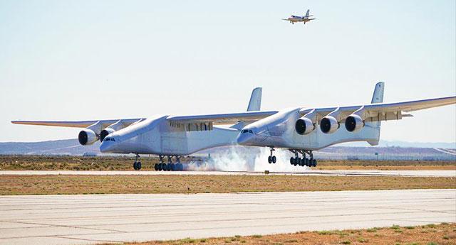 Dünyanın en büyük uçağı ilk defa uçtu