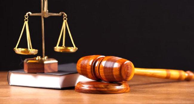 Medya yoluyla kurulan mahkeme  Sanık + Savcı + Hakim = AKP