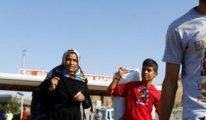 Suriyelilere oy kullanmaları için bu kağıtlar verilmiş