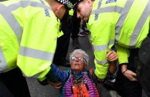 Londra'da 700'e yakın gözaltı
