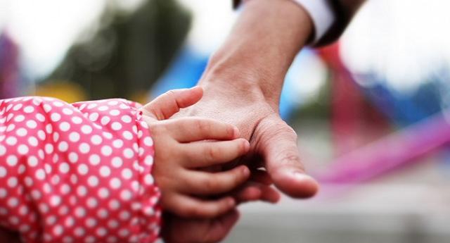 KHK mağduru ailenin evlat edindikleri çocuk ellerinden alındı!