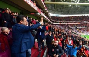 İBB Başkanı Ekrem İmamoğlu'na TT Arena'da büyük ilgi...