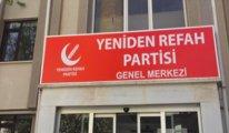 Saadet Partisi'ni binadan kovdular, yeni parti tabelasını astılar