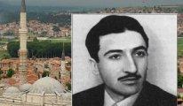 Üç Şerefeli Camii'nde bir genç-Tarık Burak Yazdı