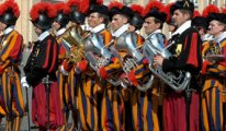 110 kişilik Vatikan ordusuna asker bulunamıyor