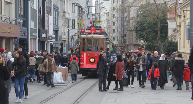 AKP'ye yakın anket şirketlerinin İstanbul tahmini... Partide yüzler asılacak