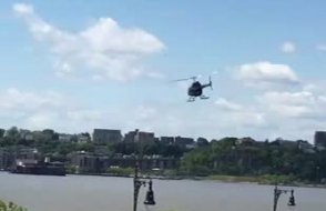 Helikopterin düşme anı kameralara yansıdı