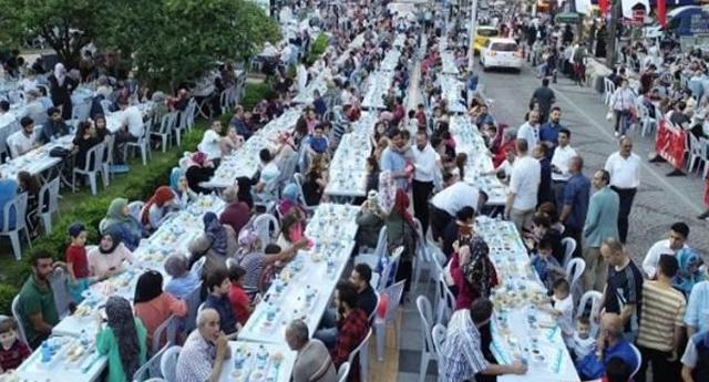 AKP'li belediye 'iftar sofrasına' 1 milyon, mehter takımına 163 bin TL ödedi!