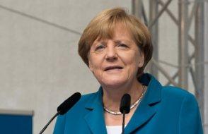 Angela Merkel İstanbul'a geldi