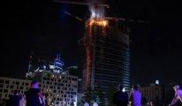 Polonya'da korkutan yangın: Bütün plazaya yayıldı