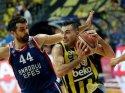 Fenerbahçe Beko yendi, şampiyonluk son maça kaldı