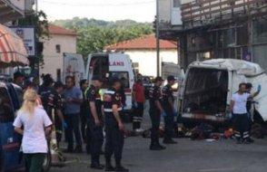 Jandarmadan kaçan ve göçmenleri taşıyan araç Edirne'de kaza yaptı: 10 ölü, 30 yaralı