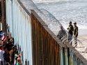 Trump harekete geçti... Meksika sınırından girenlere iltica yasağı getirildi