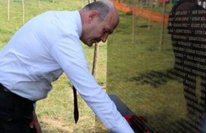 Tiran'a dikilen '15 Temmuz anıtı' Arnavutluk'u karıştırdı