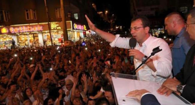 İstanbul Büyükşehir Belediye Başkanı Ekrem İmamoğlu 3 kararı veto etti