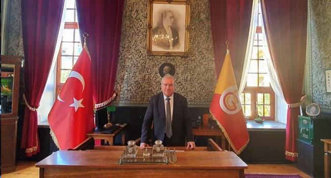 Galatasaray Lisesi Müdürü, Fenerbahçe'den istifa etti