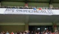 Moldova-Türkiye maçında ilginç pankart: Tayyip, öğretmenlerimizi iade et!