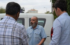 HDP önünde serbest, AKP önünde yasak!