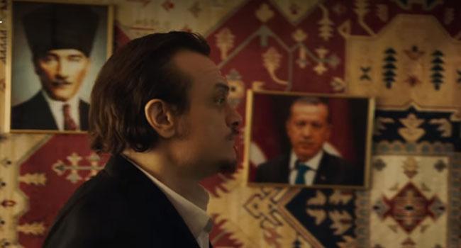 Netflix dizisinde Atatürk ve Erdoğan fotoğrafı detayı