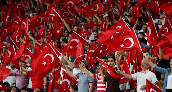 Fransa'dan Türk taraftarlara uyarı