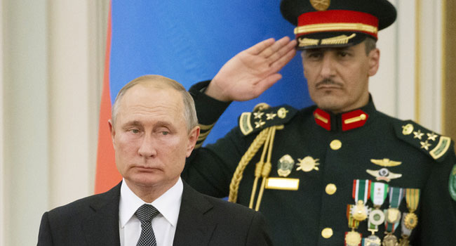 Putin'in yüz ifadesine dikkat