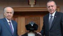 Bahçeli'yi ziyaret eden Erdoğan bakın ne hediye etti