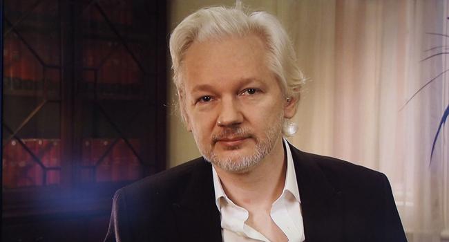 Ekvador'dan Assange'a şok