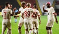 Galatasaray liderle farkı 2'ye indirdi
