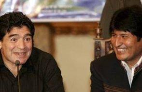 Maradona'dan Bolivya Devlet Başkanı Morales'e destek
